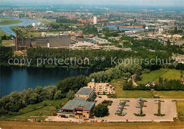AK / Ansichtskarte Deventer Postiljon Motel Deventer Fliegeraufnahme Deventer