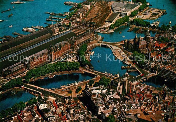 AK / Ansichtskarte Amsterdam_Niederlande Centraal Station Bahnhof Fliegeraufnahme Amsterdam_Niederlande