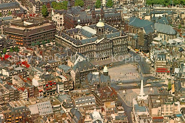 AK / Ansichtskarte Amsterdam_Niederlande Koenigspalast Dam Platz Fliegeraufnahme Amsterdam_Niederlande