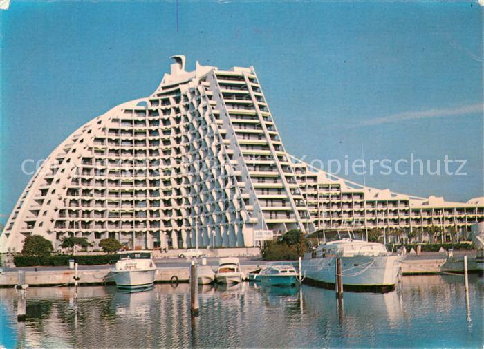 AK / Ansichtskarte La_Grande Motte La grande pyramide Yachthafen La_Grande Motte