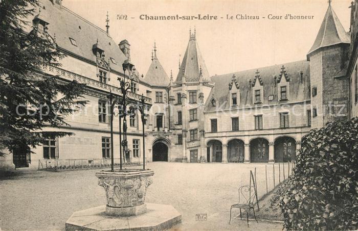 AK / Ansichtskarte Chaumont sur Loire Chateau Cour d honneur Chaumont sur Loire