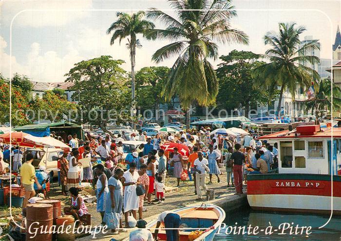 AK / Ansichtskarte Pointe_a_Pitre_Guadeloupe Marche sur la Place de la Victoire Pointe_a_Pitre_Guadeloupe