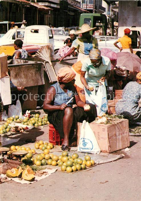 AK / Ansichtskarte Pointe_a_Pitre_Guadeloupe Scene de marche Pointe_a_Pitre_Guadeloupe