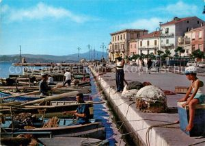 AK / Ansichtskarte La_Maddalena Via Amendola Hafen Fischerboote La_Maddalena