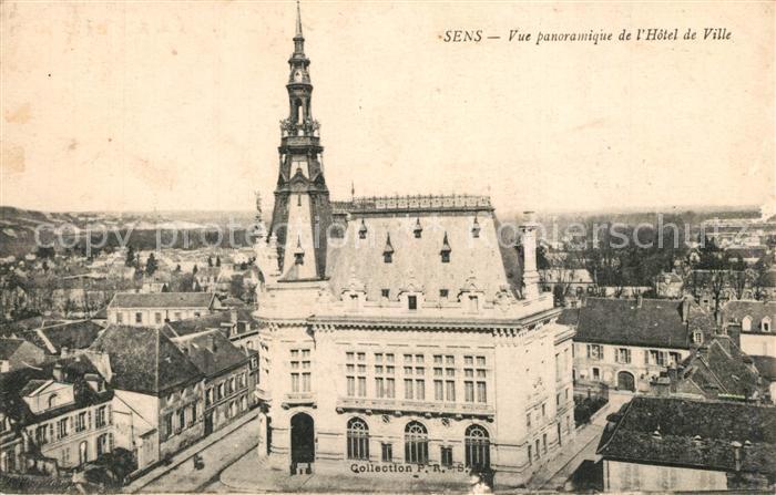 Sens_Yonne Vue panoramique de l Hotel de Ville Sens_Yonne
