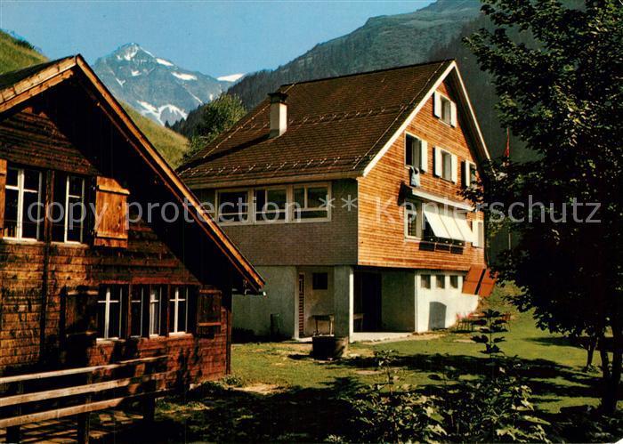 Linthal_Glarus Gemshuettli und Baslerhaus Linthal_Glarus