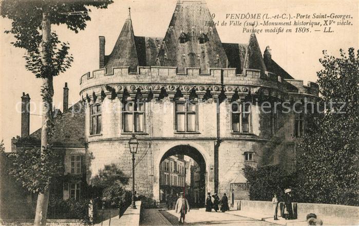 AK / Ansichtskarte Vendome Porte Saint Georges Hotel de Ville Monument historique XVe siecle Vendome