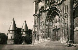 AK / Ansichtskarte Beauvais Portail de la Cathedrale et Palais de Justice Beauvais