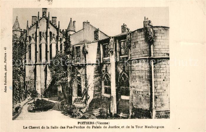 Poitiers_Vienne Le Chevet de la Salle des Pas Perdus du Palais de Justice et de la Tour Maubergeon Poitiers Vienne