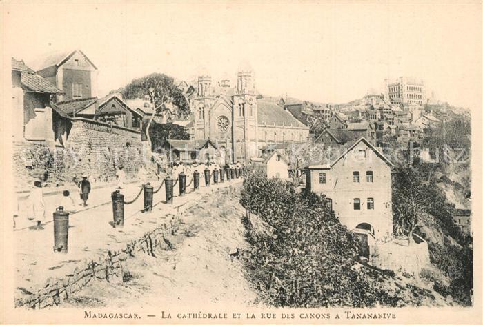 Madagaskar Cathedrale et la rue des canons a Tananarive Madagaskar