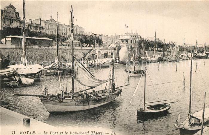 Royan_Charente Maritime Le Port Bateaux Boulevard Thiers Royan Charente Maritime
