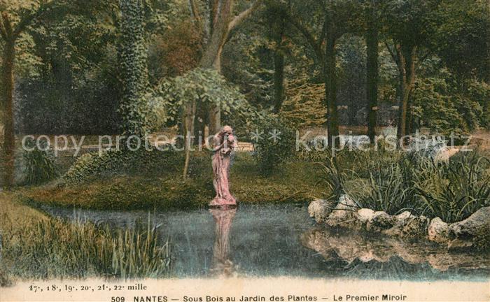 Nantes_Loire_Atlantique Sous Bois au Jardin des Plantes Le Premier Miroir Statue Nantes_Loire_Atlantique