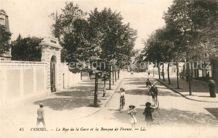 Vesoul_Haute_Saone La Rue de la Gare et la Banque de France Vesoul_Haute_Saone