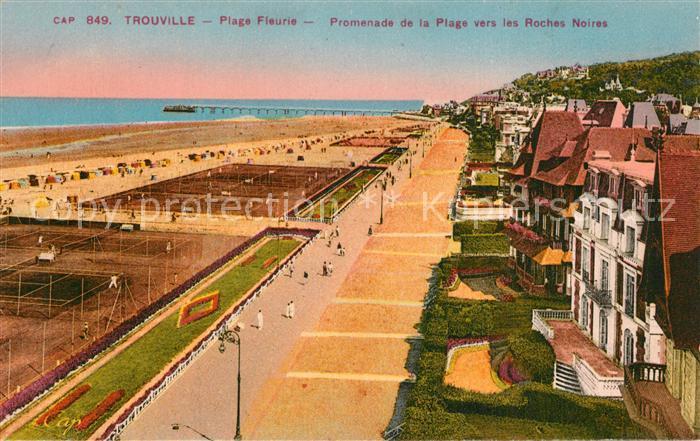 Trouville sur Mer Plage Fleurie Promenade de la Plage vers les Roches Noires Trouville sur Mer