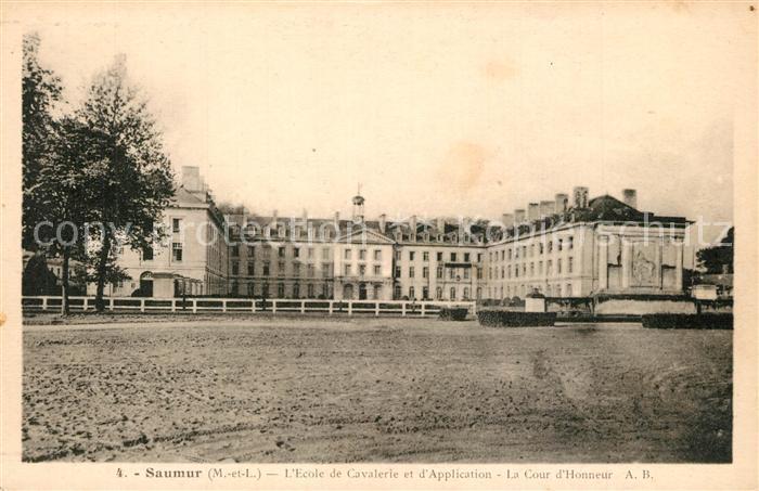 Saumur Ecole de Cavalerie et d Application Cour d Honneur Saumur