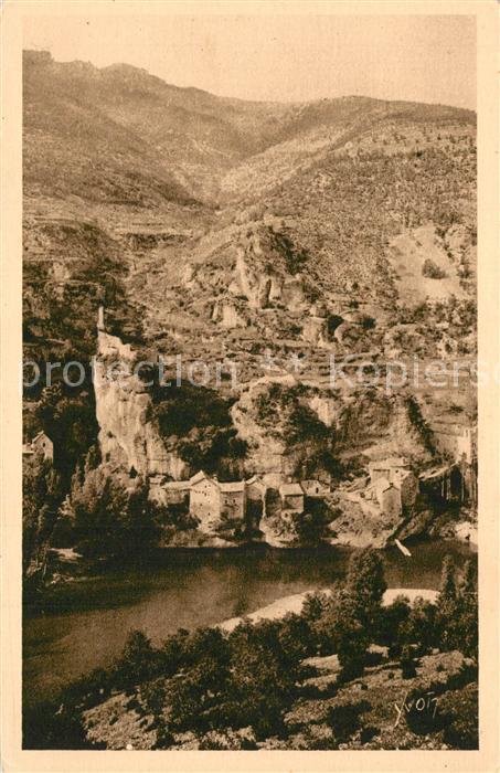 Castelbouc Panorama Gorges du Tarn Village et vieux chateau Castelbouc