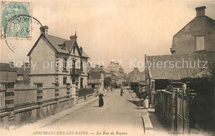Arromanches les Bains La Rue de Bayeux Arromanches les Bains