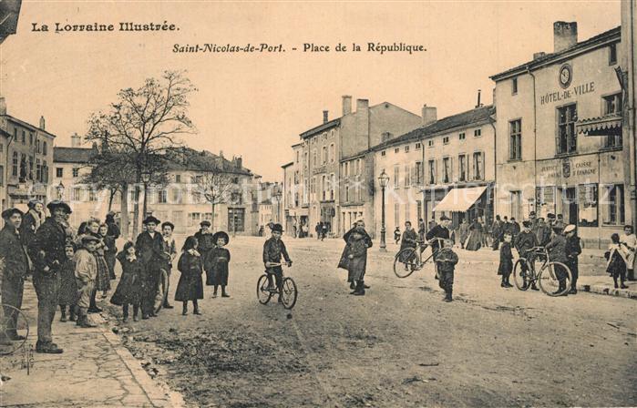 Saint_Nicolas_du_Port Place de la Republique Saint_Nicolas_du_Port