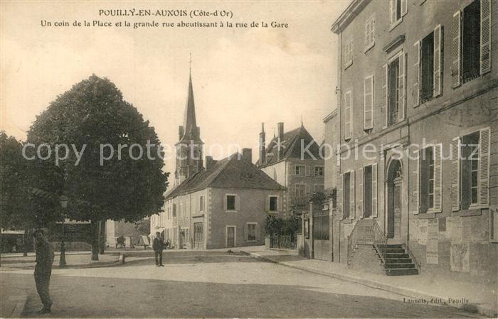 Pouilly en Auxois Un coin de la Place et la grande rue aboutissant a la rue de la Gare Pouilly en Auxois