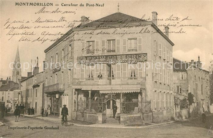 Montmorillon Carrefour du Pont Neuf Montmorillon