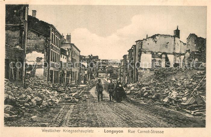 Longuyon Rue Carnot apres le bombardement Longuyon