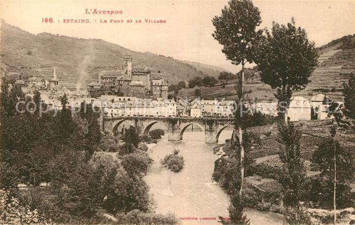 Estaing_Aveyron Panorama pont et le village Estaing_Aveyron