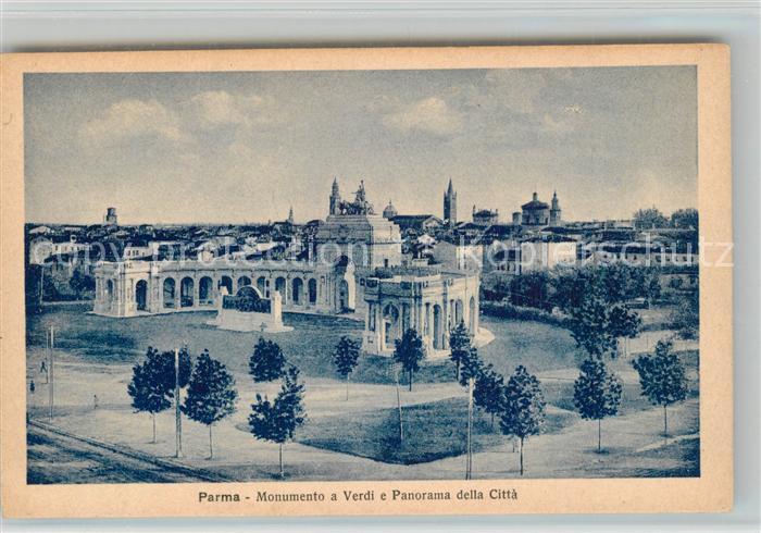 Parma_Emilia Romagna Monumento a Verdi  Parma Emilia Romagna