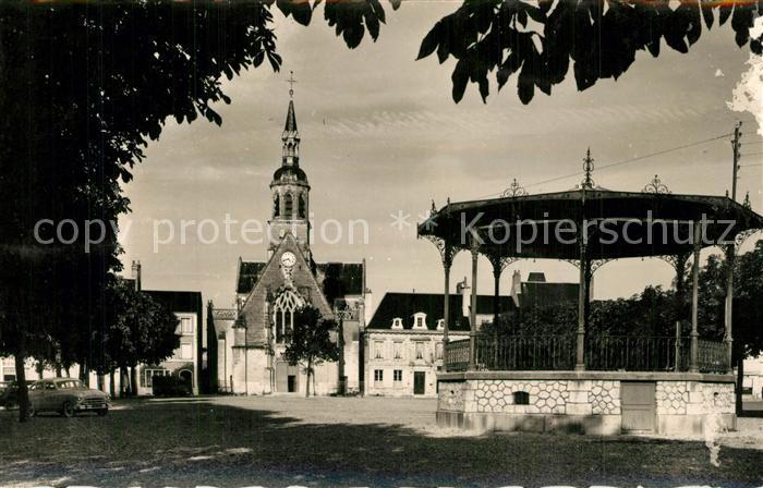 Montoire sur le Loir La Place et l Eglise Montoire sur le Loir