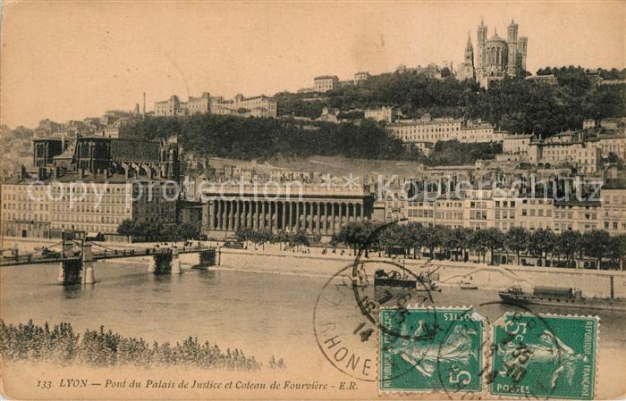 Lyon_France Pont du Palais de Justice et Coteau de Fourviere Lyon France