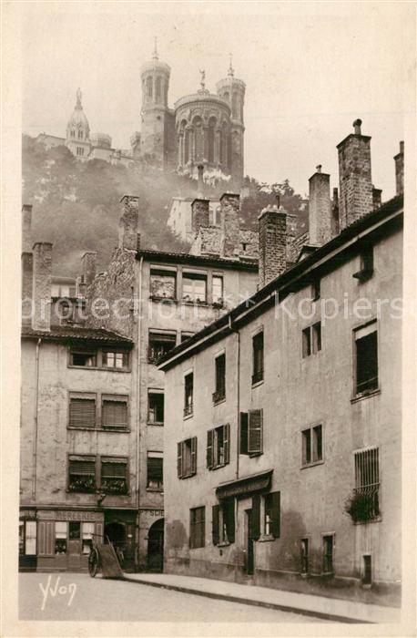 Lyon_France Vieilles maisons de la Collin de Fourviere Cathedrale Lyon France