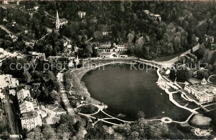 Bagnoles de l_Orne Le Lac et les deux Casinos vue aerienne Bagnoles de l_Orne