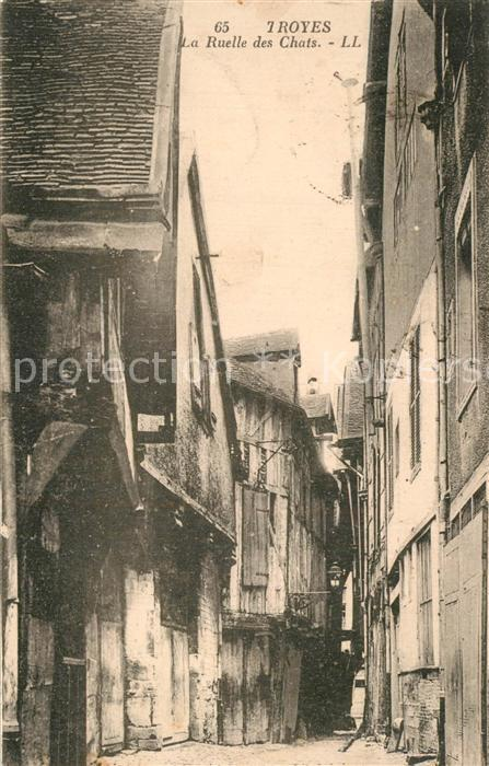 Troyes_Aube La Ruelle des Chats Troyes Aube
