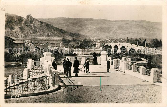 Valence_Drome Le Pont et Chateau de Crussol Valence_Drome