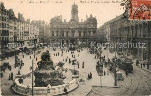 Strassenbahn Lyon Place des Terraux Hotel de Ville Fontaine Bartholdi