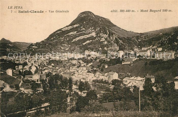 Saint Claude_Jura avec Mont Bayard Saint Claude_Jura