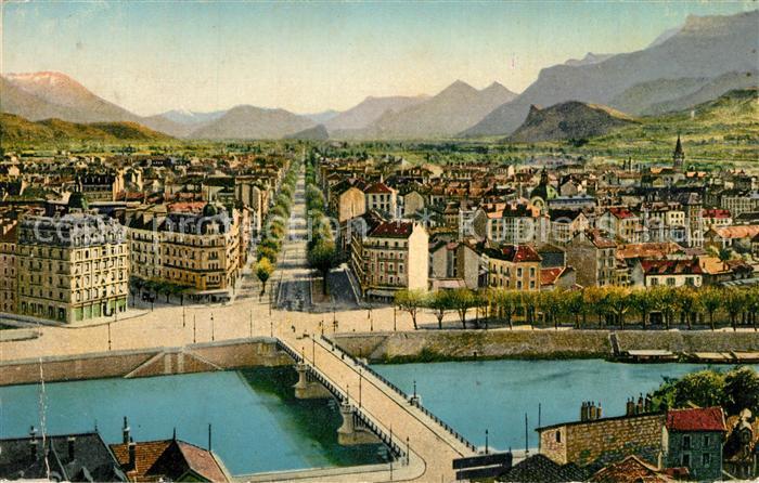 Grenoble Vue generale Place de la Bastille et Cours St Andre Grenoble