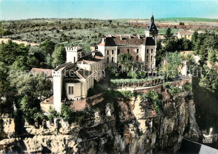 Rocamadour Chateau et Remparts vue aerienne Rocamadour