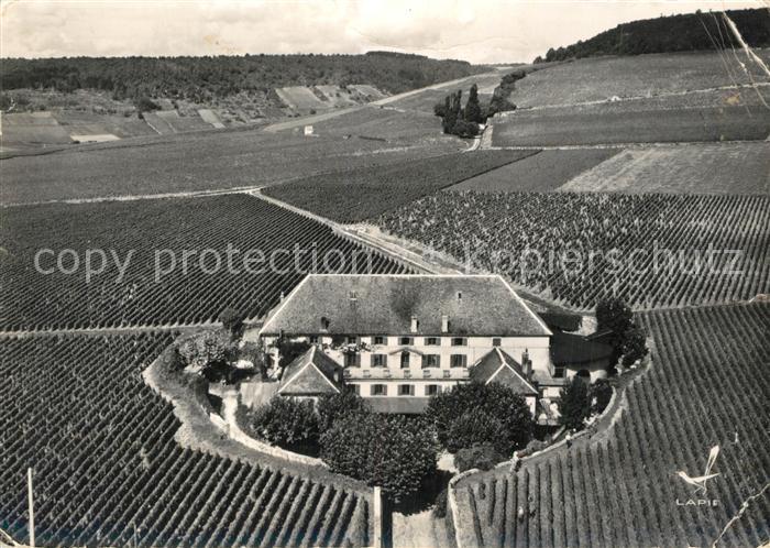 Aloxe Corton Cuverie du Chateau Corton Grancey vue aerienne Aloxe Corton