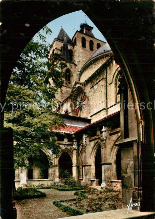 Cahors La Cathedrale vue d une galerie du cloitre Cahors