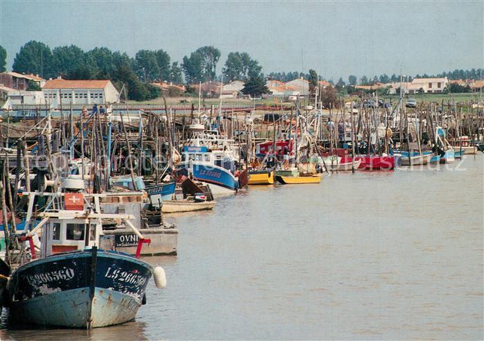 L_Aiguillon sur Mer Port de peche bateaux L_Aiguillon sur Mer