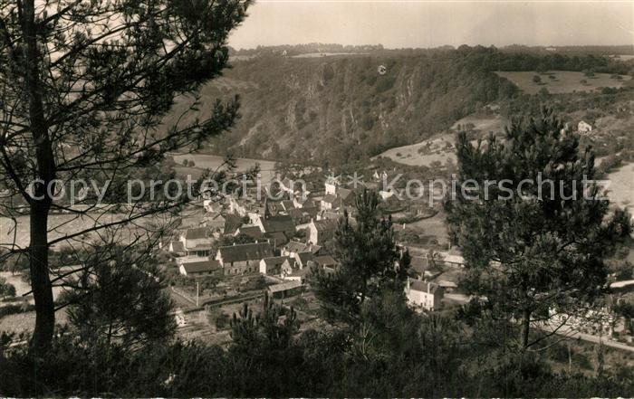 Saint Leonard des Bois Bourg vu des Collines Saint Leonard des Bois