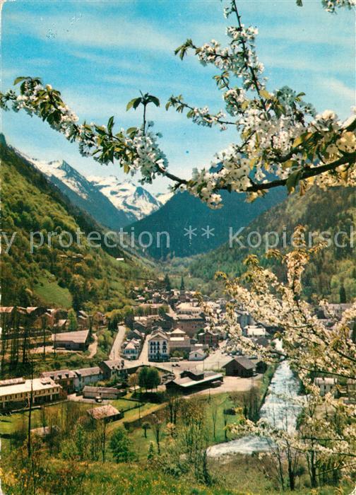 Cauterets Vue generale au printemps Chaine des Pyrenees Cauterets