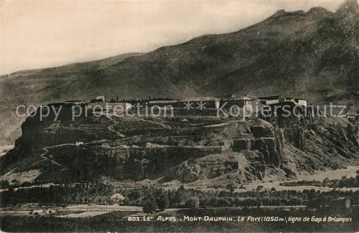 Mont Dauphin Le Fort Ligne de Gap a Briancon Alpes Mont Dauphin