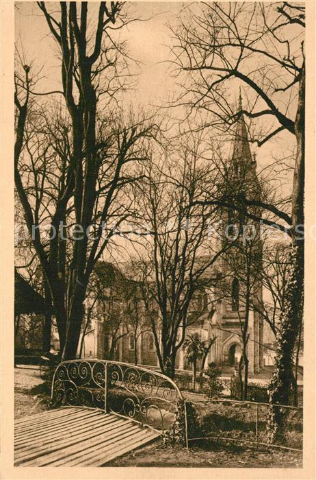 Angouleme Un coin du Jardin Vert Eglise Saint Sausone Angouleme