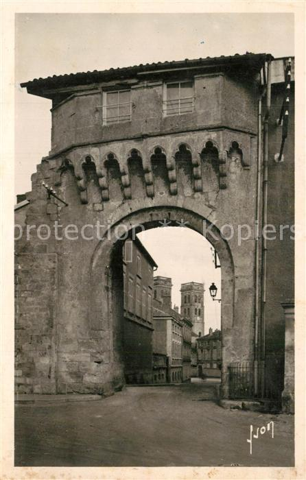 Verdun_Meuse Porte Chatel et les tours de la Cathedrale Verdun Meuse