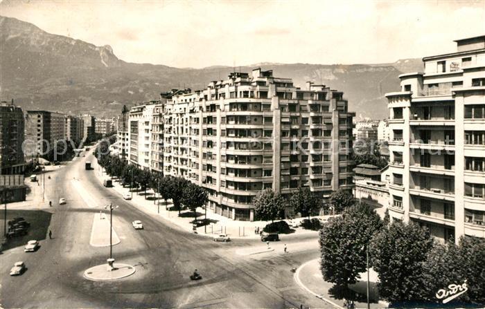 Grenoble Place Gustave Rivet Boulevard Marechal Foch et le Vercors Grenoble