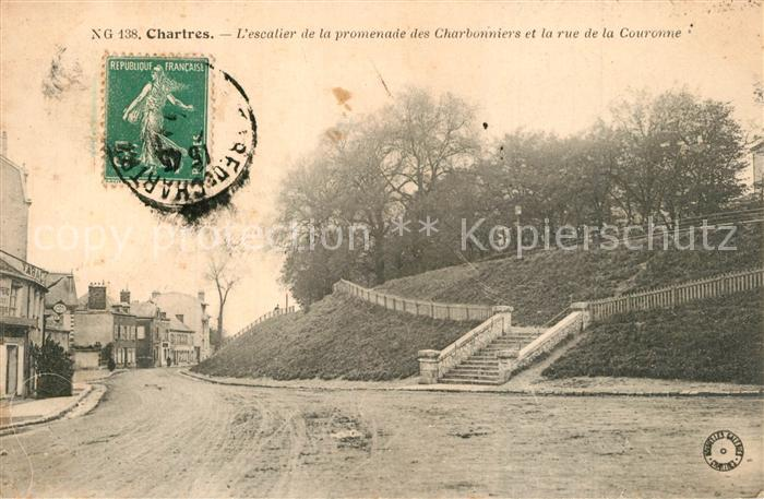 Chartres_Eure_et_Loir Escalier de la promenade des Charbonniers et la rue de la Couronne Chartres_Eure_et_Loir