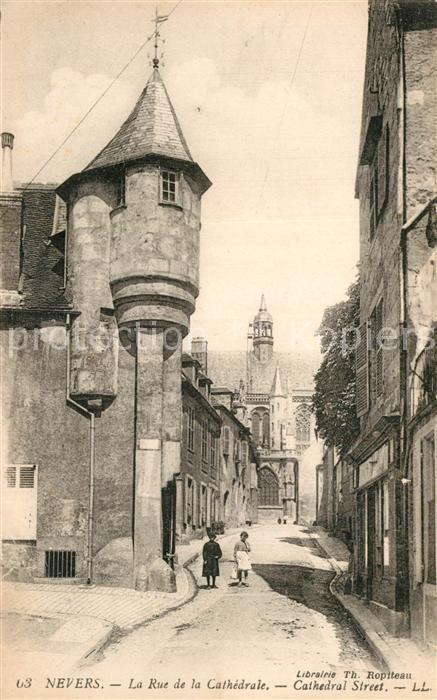 Nevers_Nievre Rue de la Cathedrale Nevers Nievre