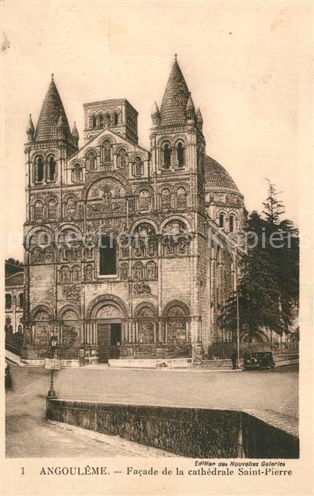 Angouleme Facade de la Cathedrale Saint Pierre Angouleme