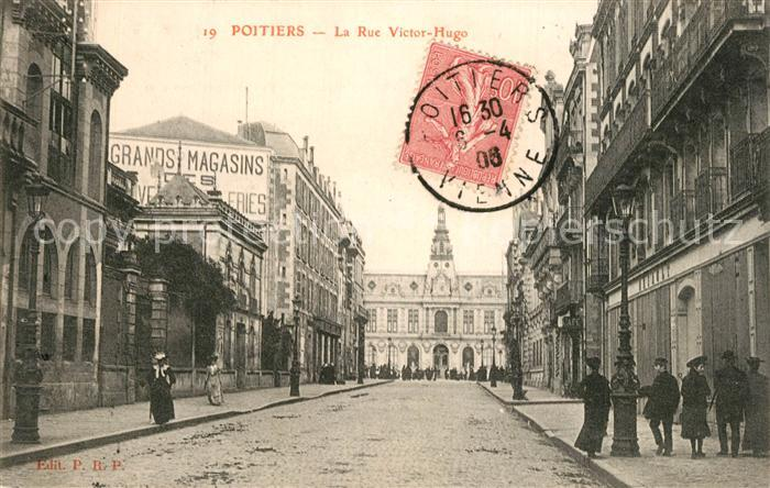 Poitiers_Vienne La Rue Victor Hugo Poitiers Vienne